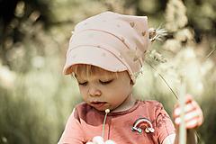Detské čiapky - Letná pružná šatka so šiltom srdiečka pink - 12036511_