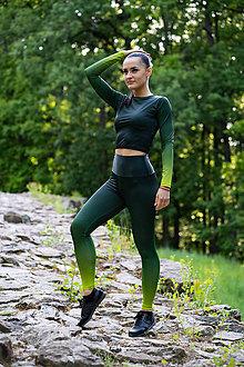 Iné oblečenie - Funkčný set - legíny/crop top s dlhým rukávom - army green - 12037120_