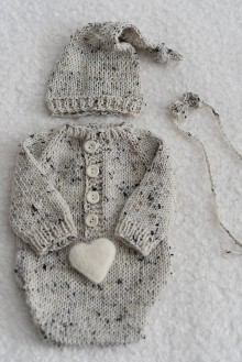 Detské oblečenie - Newborn body s dlhými rukávmi - merino tweed (Plstené srdiečko) - 12043548_