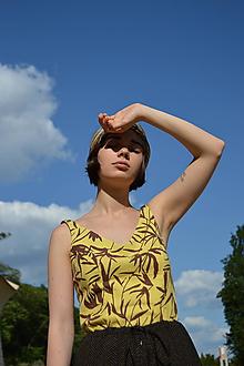 Topy - Žltý letný vzorovaný top - 12047682_