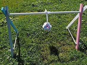 Hračky - drevená hrazdička pre bábätko farebna,drevená detská hrazdička,hracia hrazdička,hrazda,montessori hrazdička - 12048485_