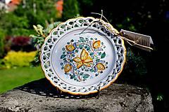 Nádoby - Habánsky čipkovaný dvojradový tanier - 12050445_