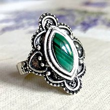 Prstene - Antique Silver Navette Malachite Ring / Vintage prsteň s malachitom - 12053368_