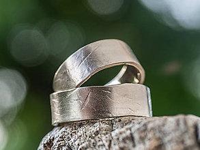 Prstene - Na vlne času  - 12055124_