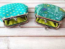 Peňaženky - Peňaženka Zeleno-fialová so stromami - M - 12053086_