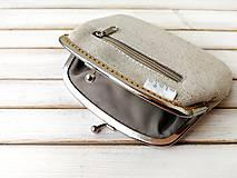 Peňaženky - Peňaženka XL Bobuľky a lúčne kvietky (s kapsičkou) - 12055060_