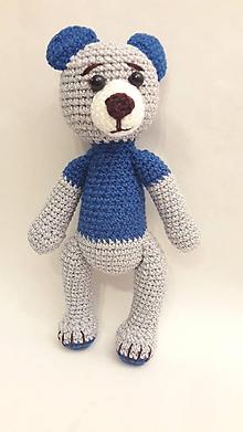 Hračky - macko/ modrý+šedá so striebornou niťou hačkovaná hračka - 12055347_
