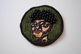 Odznaky/Brošne - Brošňa Chlapec černoch (ručne vyšívaná) - 12056225_