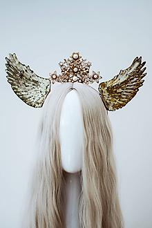 Ozdoby do vlasov - Zlatá anjelská koruna s krídlami - 12060188_