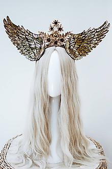 Ozdoby do vlasov - Zlatá anjelská koruna s krídlami - 12060199_