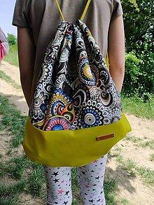 Batohy - Nepremokavý batoh žltý so vzorom - 12059016_