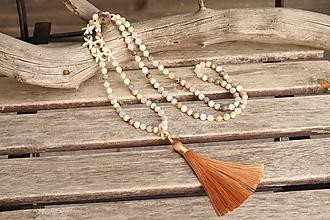 Náhrdelníky - Náhrdelník so strapcom a minerálmi - 12057596_