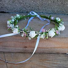 Ozdoby do vlasov - Venček s ružičkami, ružovými kvietkami a lístkami, na svadbu, prijímanie, biely, krémový - 12060629_