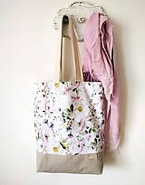 Rozkvitnutá taška