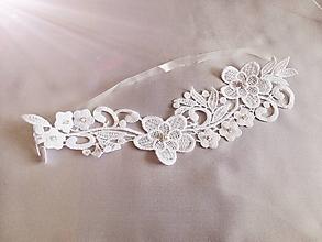 Bielizeň/Plavky - Svadobný podväzok kvetinkový biely II. - 12064004_