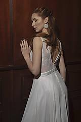Šaty - Svadobné šaty na širšie ramienka s kruhovou šifónovou sukňou - 12064198_