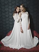 Šaty - Svadobné šaty s dlhým krajkovým rukávom a polkruhovou sukňou - 12064380_