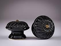 Nábytok - Úchytka - knopka černá velká - vzor ROZETA - 12064546_
