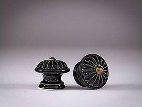 Nábytok - Úchytka - knopka černá malá - vzor KOPRETINA - 12064386_