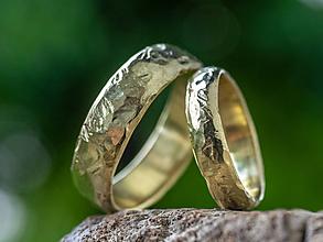 Prstene - Obrúčky životom tepané /polguľaté zo zlata/ - 12074662_