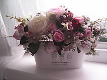 Dekorácie - Kvetinová dekorácia ... jemnosť ruží ... - 12071944_