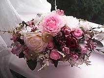 Dekorácie - Kvetinová dekorácia ... jemnosť ruží ... - 12071945_