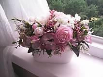 Dekorácie - Kvetinová dekorácia ... jemnosť ruží ... - 12071946_
