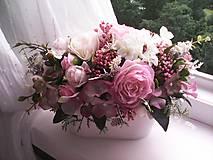 Dekorácie - Kvetinová dekorácia ... jemnosť ruží ... - 12071949_