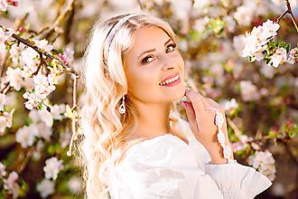 Ozdoby do vlasov - Svadba - čelenka z korálok do svadobného účesu pre nevestu - 12073981_