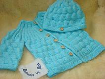 Detské súpravy - Ručne pletený svetrík s čiapkou . - 12077144_