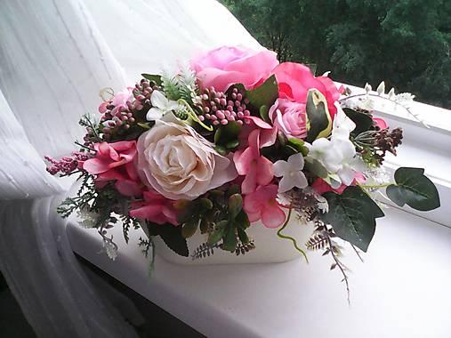 Kvetinová dekorácia ...ružová...