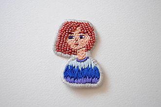 Iné doplnky - Nášivka dievča farebné vlasy (ručne vyšívaná) (Červená) - 12075283_