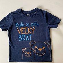 """Detské oblečenie - Maľované tričko s nápisom """"Bude zo mňa veľký brat"""" ( (TMAVOMODRÉ S MACÍKMI) - 12077565_"""