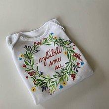 Detské oblečenie - Maľované nežné kvetinkové body s nápisom na želanie - 12077639_