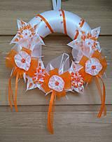 Dekorácie - Veniec oranžovo biely svadobný - 12077399_