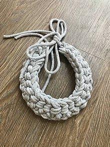 Náhrdelníky - Háčkovaný náhrdelník - strieborný - 12078324_