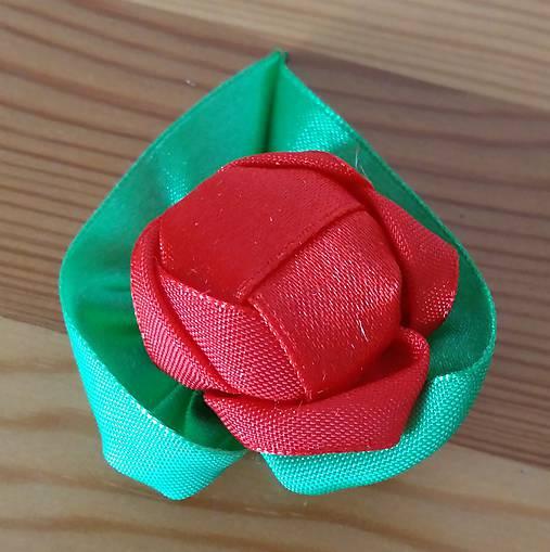 Svadobné pierko ruža