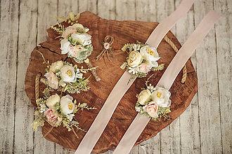 Pierka - Svadobný set (Pierka pre ženícha, družbov, brošňa pre svadoné mamy, náramky pre družičky) - 12084109_