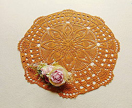 Úžitkový textil - Háčkovaná dečka Zlatý karamel - 12082985_