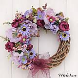 Dekorácie - Elegantný fialový veniec - 12083212_