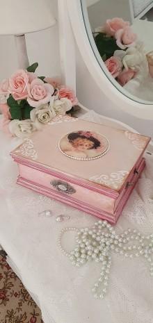 Krabičky - Krabička - Dáma v ružovom - 12085025_