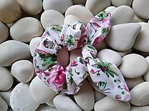 Ozdoby do vlasov - Scrunchies ušatá gumička motýľ a ruža - 12090138_