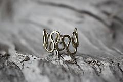 Prstene - Mosadzný vrtivý prstienok - 12089151_