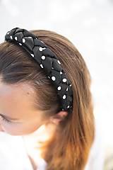 Ozdoby do vlasov - Dámska zapletaná čelenka Black Dot - 12090165_