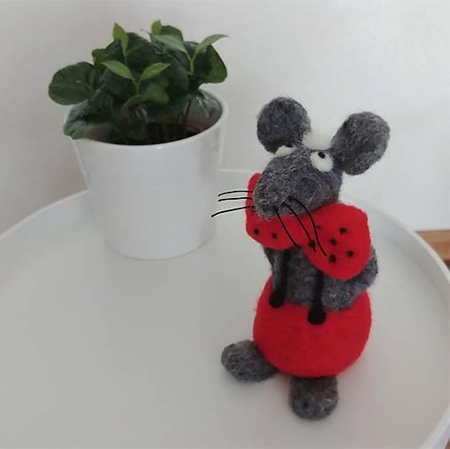 Plstené myšky s bodkovanými motýlikmi (Myška s červeným motýlikom)