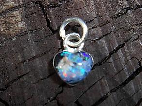 Náhrdelníky - little opal heart II - 12092536_