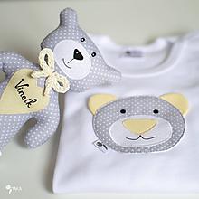 Detské oblečenie - SET MACKO  body + hračka (sivo - žltý) - 12095041_