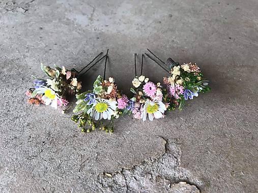 "Kvetinová vlásenka ""už rozkvitla"""