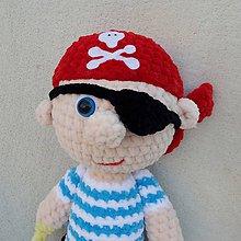 Hračky - Háčkovaný kamarát pirátik - 12100362_