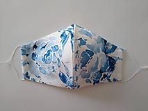 Rúška - Letné dizajnové rúško prémiová bavlna antibakteriálne s časticami striebra dvojvrstvové tvarované (Modrý akvarel) - 12105423_
